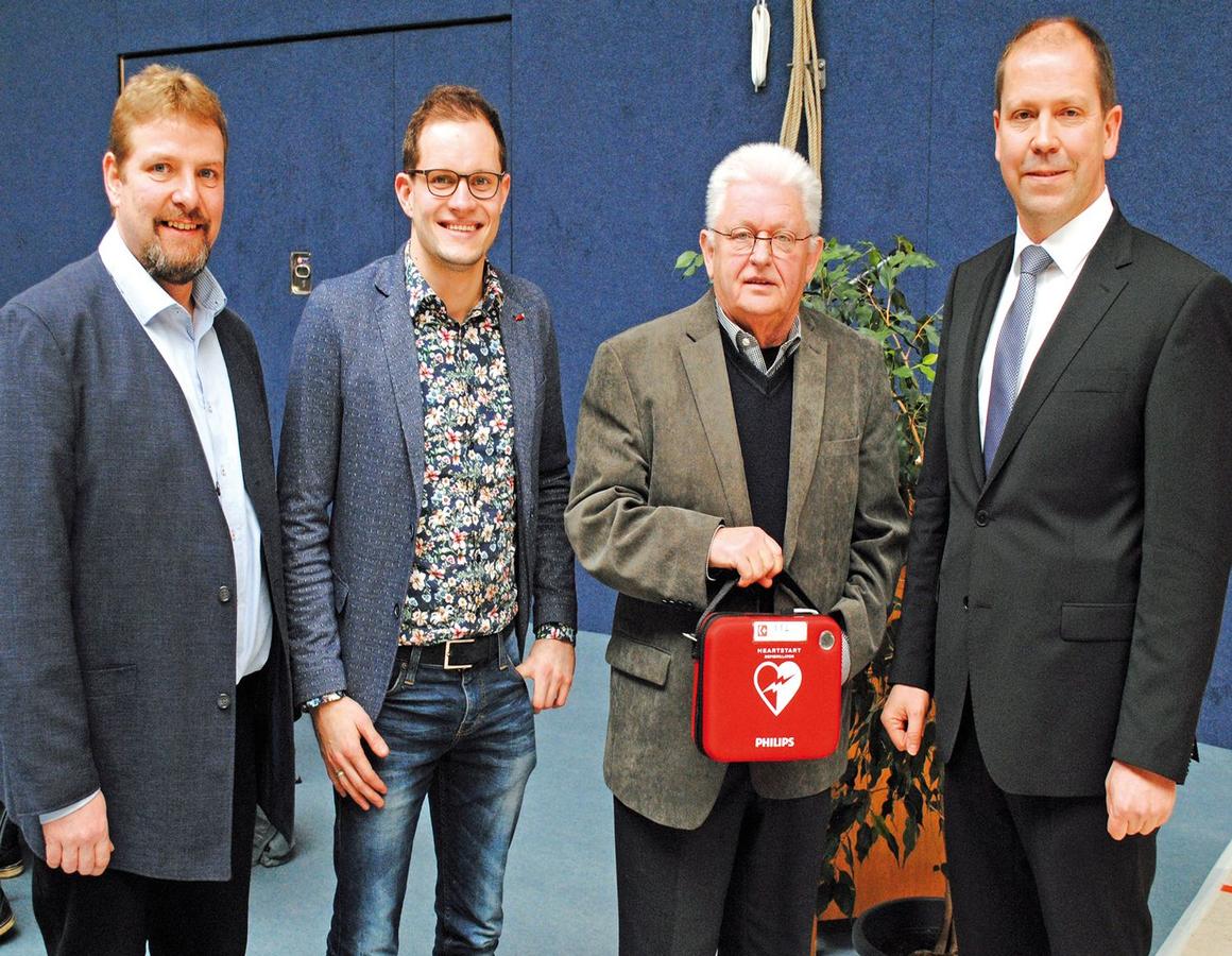 Defibrillator Gespendet Aktiwas Wagenfeld Strohen