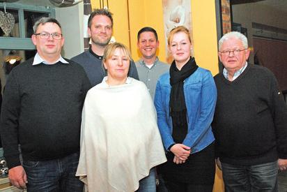 """""""AKTIWAS""""-Vorsitzender Reinhard Kawemeyer mit den neuen Mitgliedern Joachim Daubitz, Matthias Ostermann, Simone Adler, Pasquale Schneider und Angie van de Loo"""